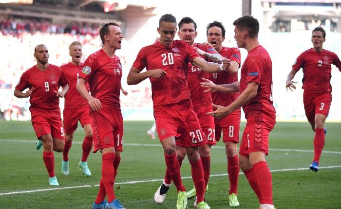 Football, Euro : Les outsiders tchèques et danois pour une place en demies