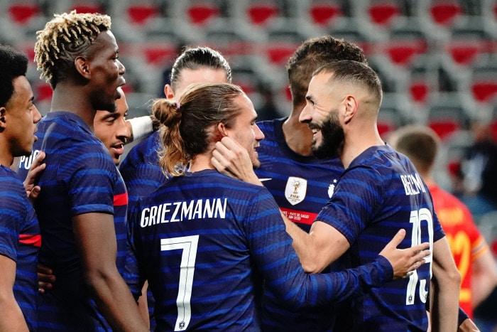 Victime d'une béquille, Benzema incertain contre l'Allemagne